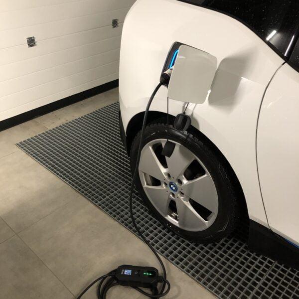 EV + portable charger 16A adjustable