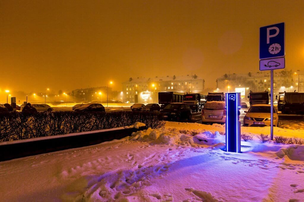 This image has an empty alt attribute; its file name is EV-charging-station-Kaunas-Lithuania-EV-Charge-Plus-1024x683.jpg