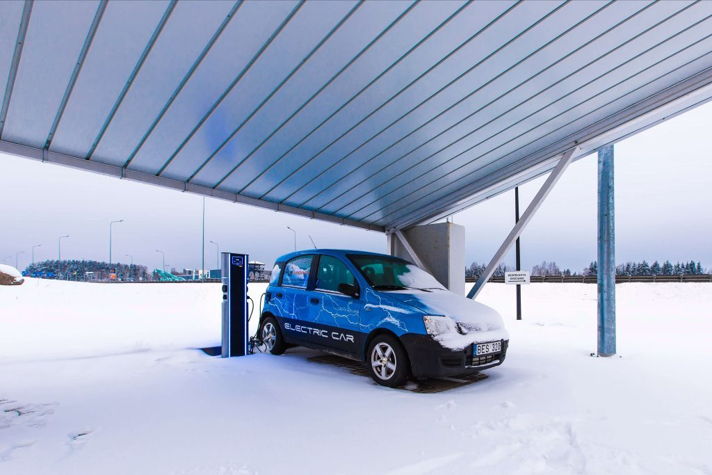 This image has an empty alt attribute; its file name is EV-charging-stations-Vilnius-Lithuania-EV-Charge-Plus-5-1024x683.jpg
