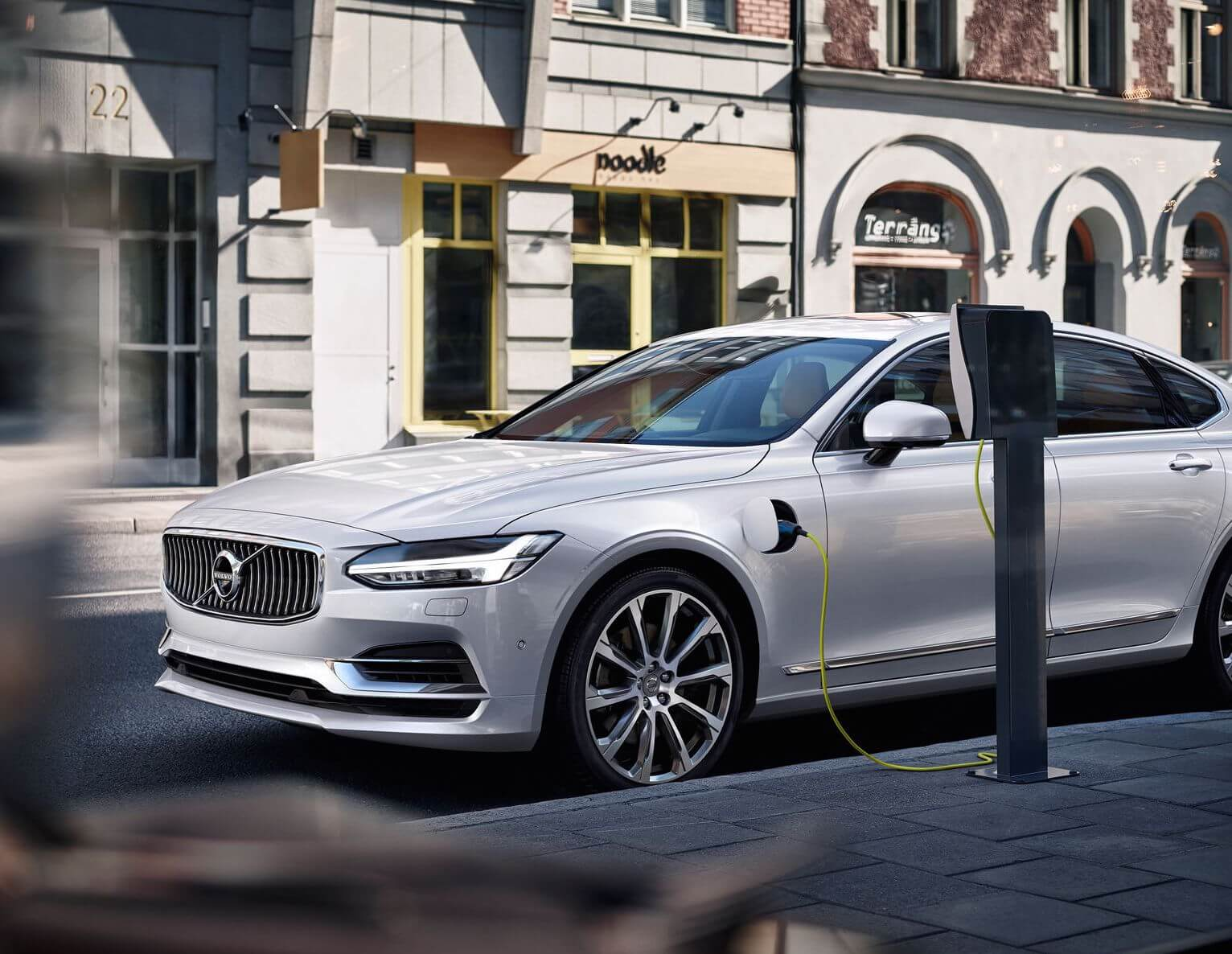 Volvo S90 T8 Twin Engine Plug In Hybrid Specifications