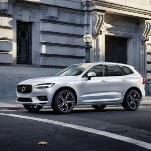 Volvo XC-60 T8 Twin-Engine evchargeplus specs