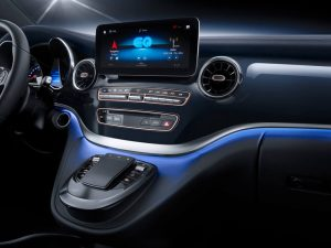 mercedes-benz-concept-eqv-interior-screen